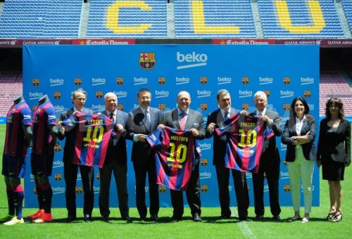 1404138320-turkish-brand-beko-presented-as-the-new-fc-barcelona-sponsor_5141861