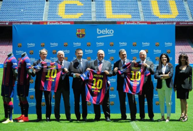 1404138320-turkish-brand-beko-presented-as-the-new-fc-barcelona-sponsor_5141861