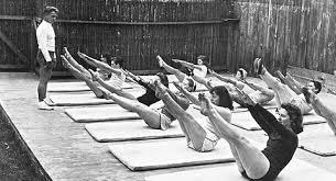 Joseph Pilates ders yaparken